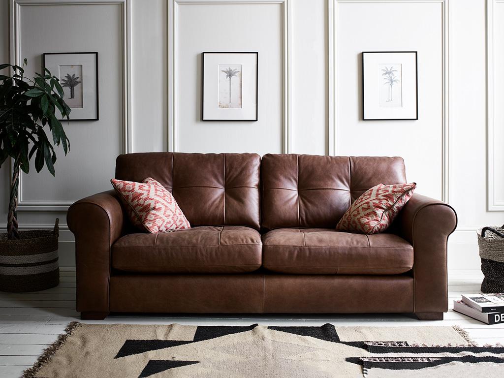 Pemberley_leather_sofa_alexander&james_